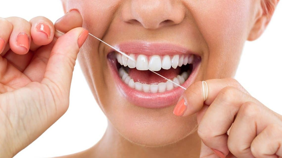 dental-flossing-1-1140x640.jpg